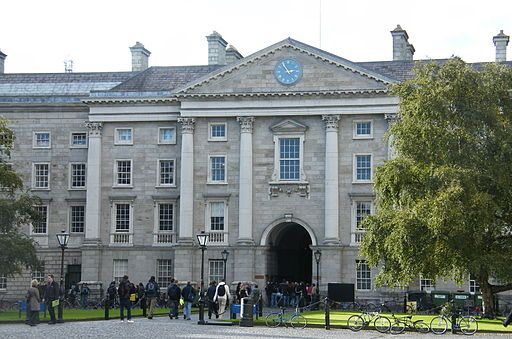 Trinity College | Foto by Pilgab via Wikimedia Commons