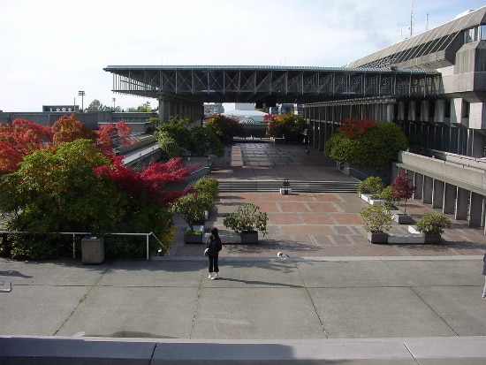 Simon Fraser University Library | Foto: miss_curse_10 via Wikimedia Commons
