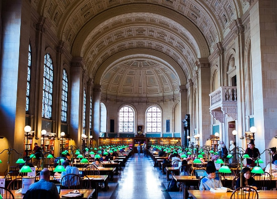 Boston Public Library | Foto: Brian Johnson via Wikimedia Commons