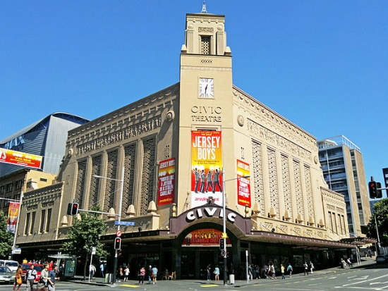 Civic Theatre, Queen St. | Foto Chewy Pinneaple, via Wikimedia Commons