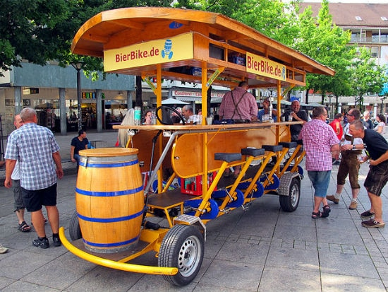 Beer Bike, Ulm | Foto: Gary A Baratta, via Wikimedia Commons