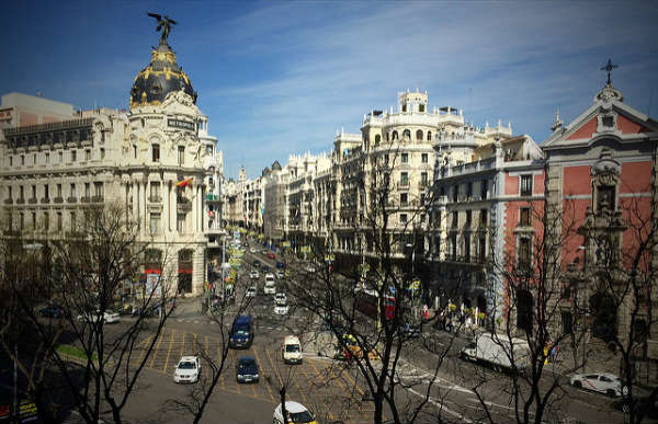 Madrid: Gran Via e Metrópolis | Foto: Álvaro Ibañez, via Flickr