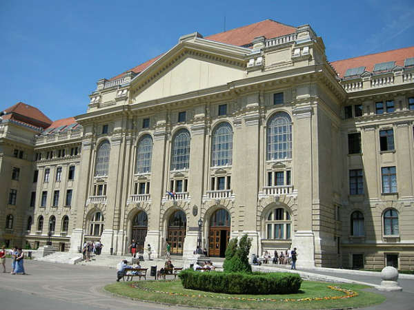 Universidade de Debrecen, Hungria | Foto: Yoav Dothan, via Wikimedia Commons