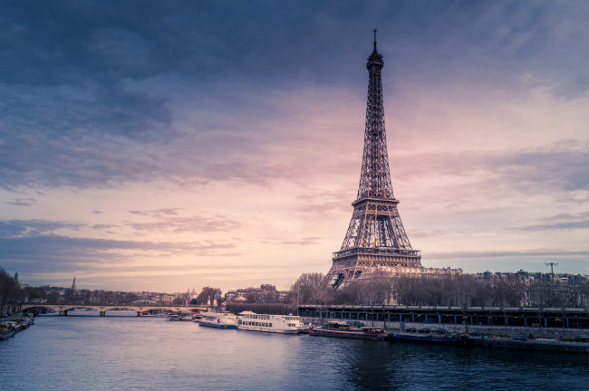 Bolsas Eiffel 2020 | Foto: Chris Karidis, via Unsplash