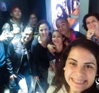 Turma do C.P.A (Curso para Adultos) finaliza o semestre no cinema.